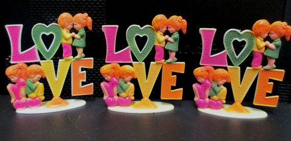 1973 Wilton LOVE Cake Topper  Chicago IL   Mid por retrogal415