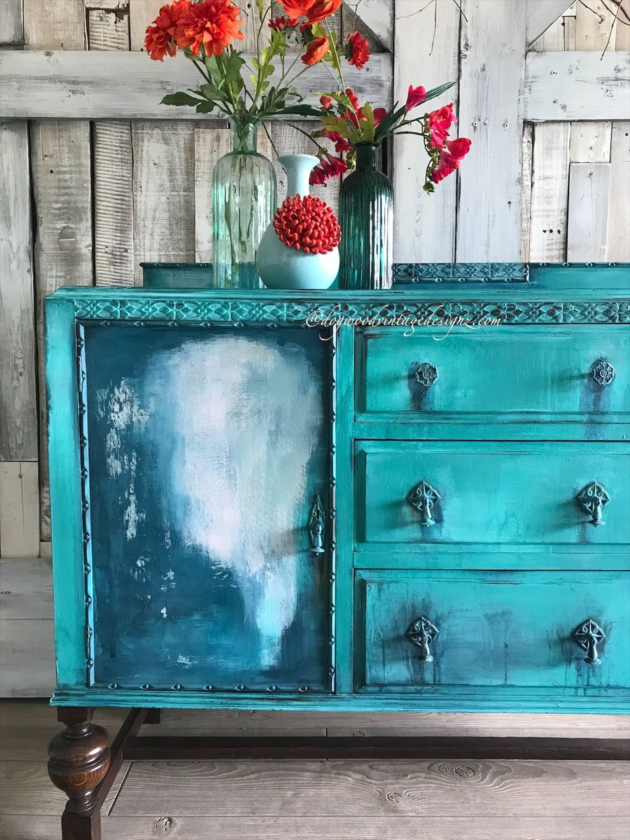 #rusticelegance #paintedfurniture #furnitureartist #bohostyle #furnitureflip #debisdesigndiary #diypaintco #vintagefurniture #interiors #design #art #handpainted #textured #upcycled #eclectichome #etsyshop #blue #turquoise #bohemian #antiquesupcycled