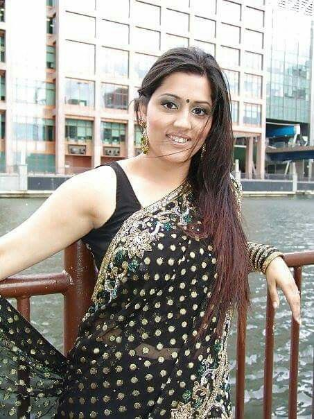 photos hot bhabi sharee