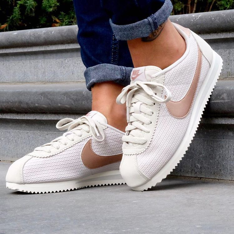 Nike Classic Cortez Lux Womens Trainers in Bone White