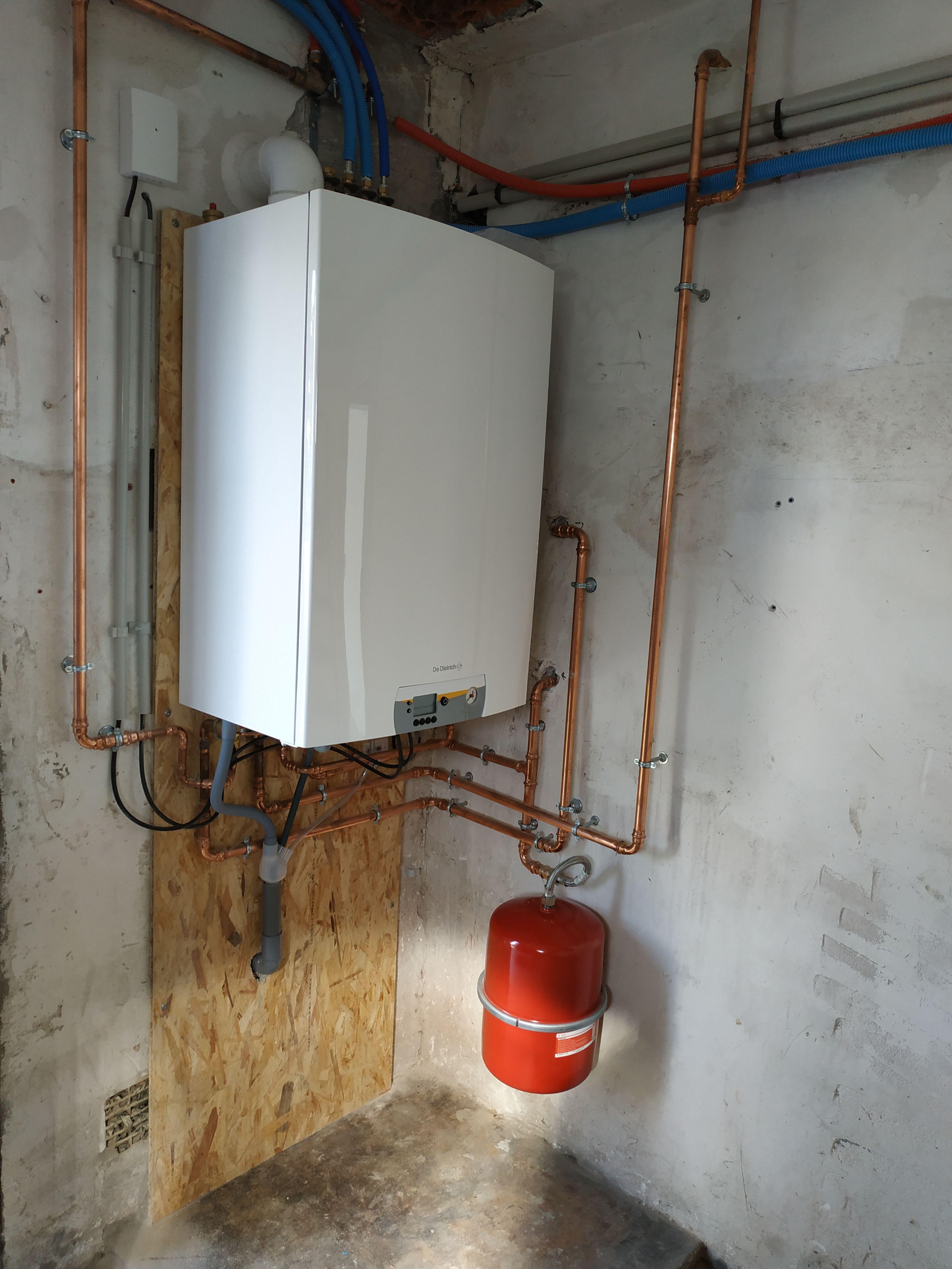 Cache Tuyau Sous Chaudiere installation de chauffage, remplacement d'une chaudière