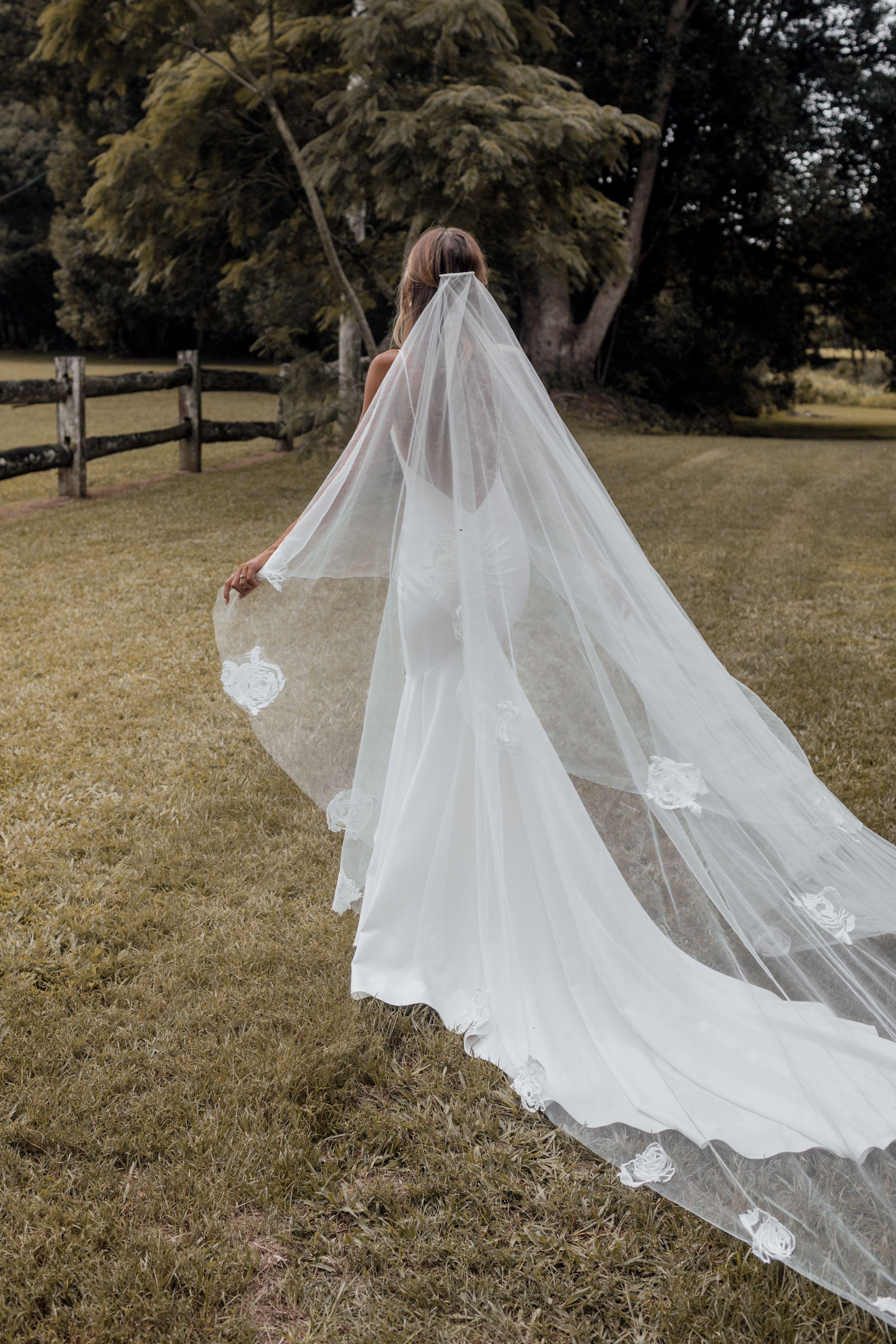 Wedding Veils Long Short Bridal Veils Grace Loves Lace Short Veils Bridal Wedding Grace Loves Lace [ 5000 x 3334 Pixel ]