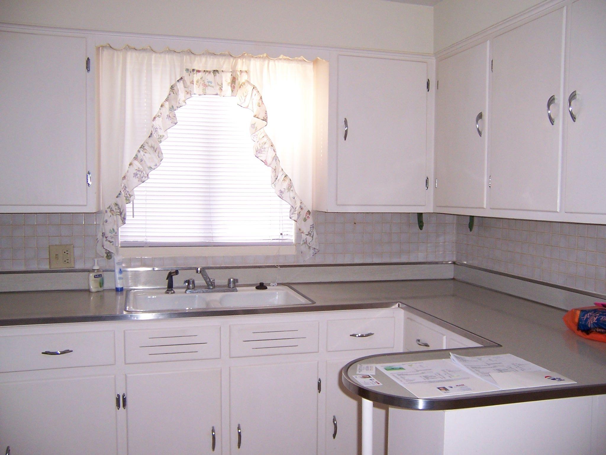 Original 1940s kitchen...this is so close to my kitchen, same ...