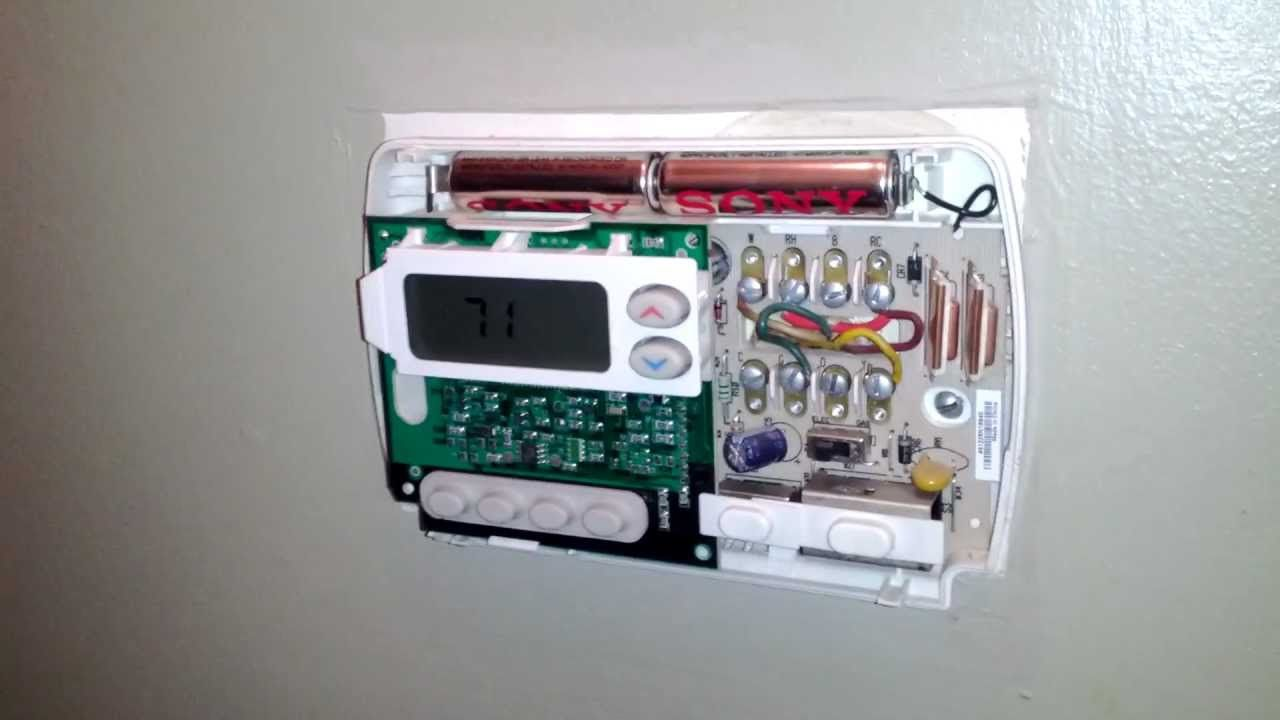 How to Fix Your Thermostat Changing the Batteries (With