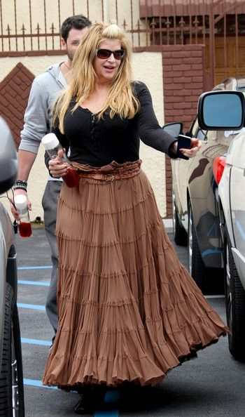 Kirstie Alley Kirstie Alley wears a belt to hold up her oversized skirt as she leaves rehearsal for 'Dancing with the Stars' with her dance ...