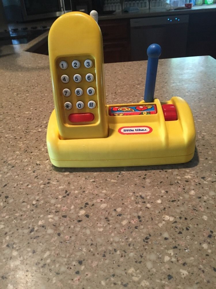 Rare Little Tikes Yellow Phone With Base Stand Cordless Pretend Play Telephone