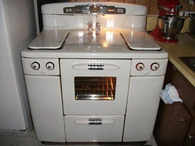 Tappan Talk Ron And Aiden S 1948 Tappan Deluxe Stove Vintage Stoves Tappan Old Stove