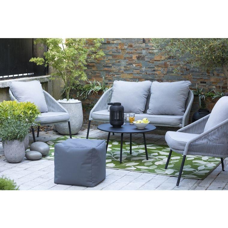 Confortable Design Et Intemporel Le Salon Bas De Jardin Est Un