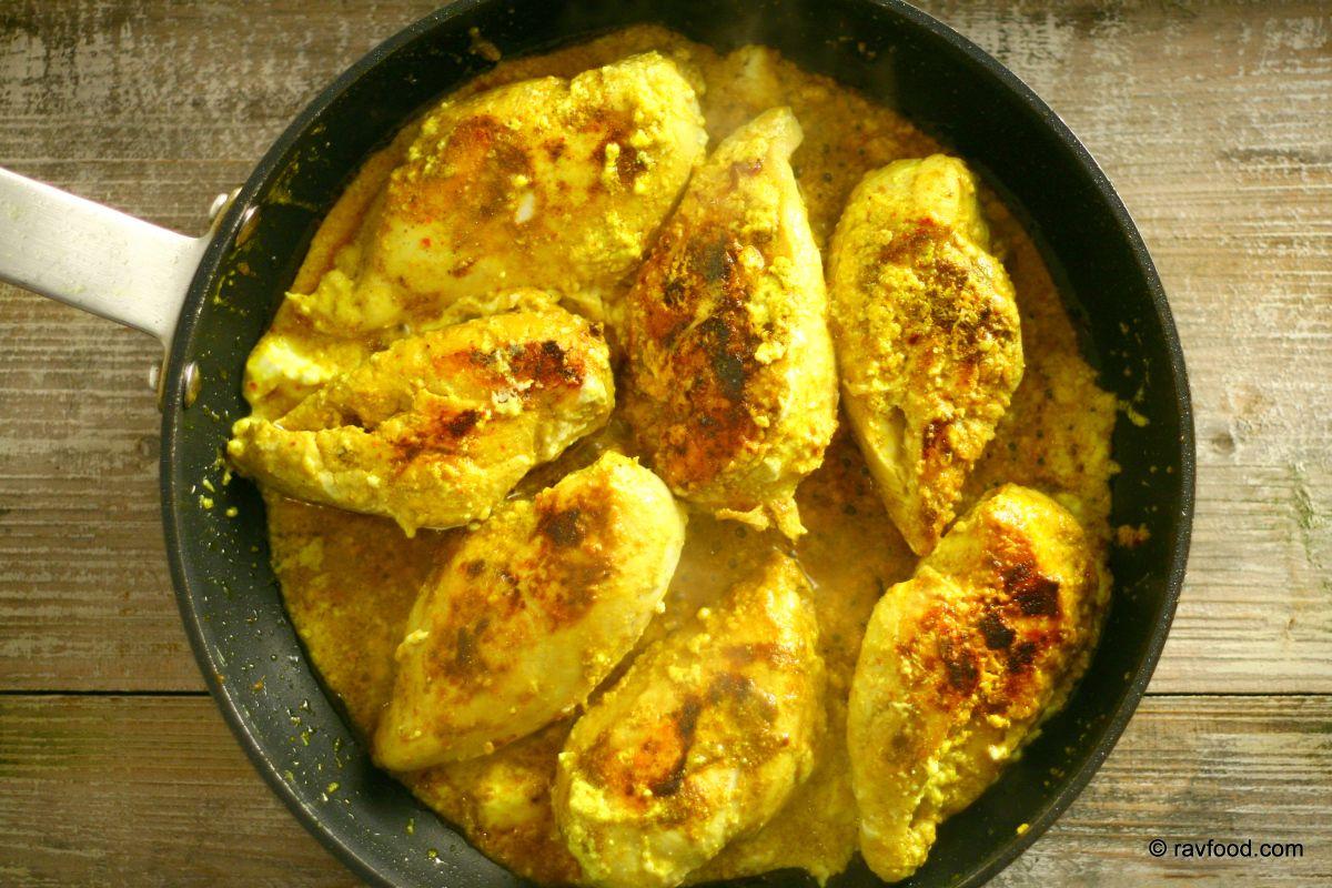 Ras el Hanout betyder krydderihandlerens hoved og er en krydderiblanding fra mellemøsten, hvor den findes i et utal af varianter. Jegbruger Mill