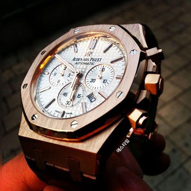 """좋아요 177개, 댓글 4개 - Instagram의 S-TIME 에스타임(@stimekr)님: """"이런각은 정말이지... 아~ 감동이다 ⌚😍 . . #stime #ap #audemarspiguet #royaloak #watch #watches #luxury…"""""""