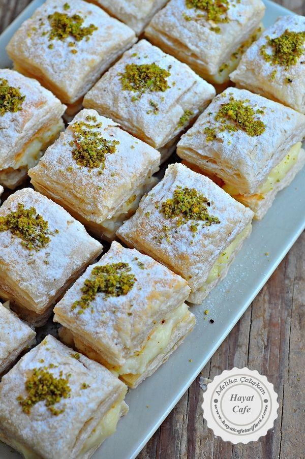 Muhallebili Milföy Tatlısı - Hayat Cafe Kolay Yemek Tarifleri