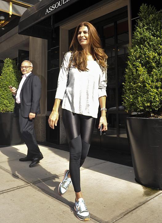 b89eda58c7 Calzas y tacos  los looks de Juliana Awada en Nueva York