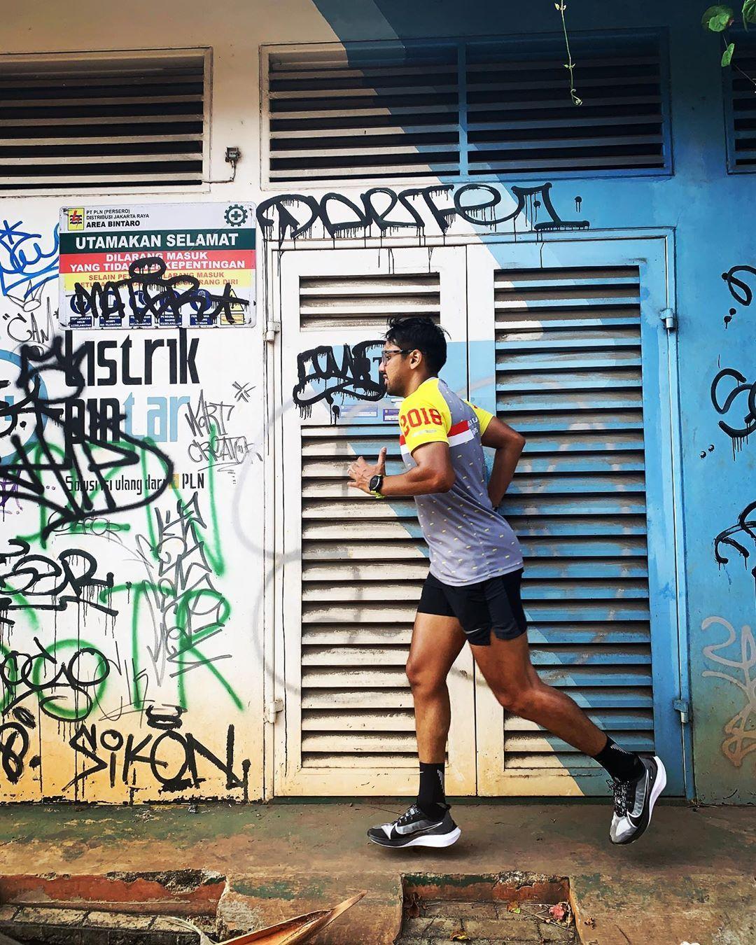 Pelari konten Cari sehat dan cari konten #nike #nikerun #running #runners #instarunners #runtheraphy...
