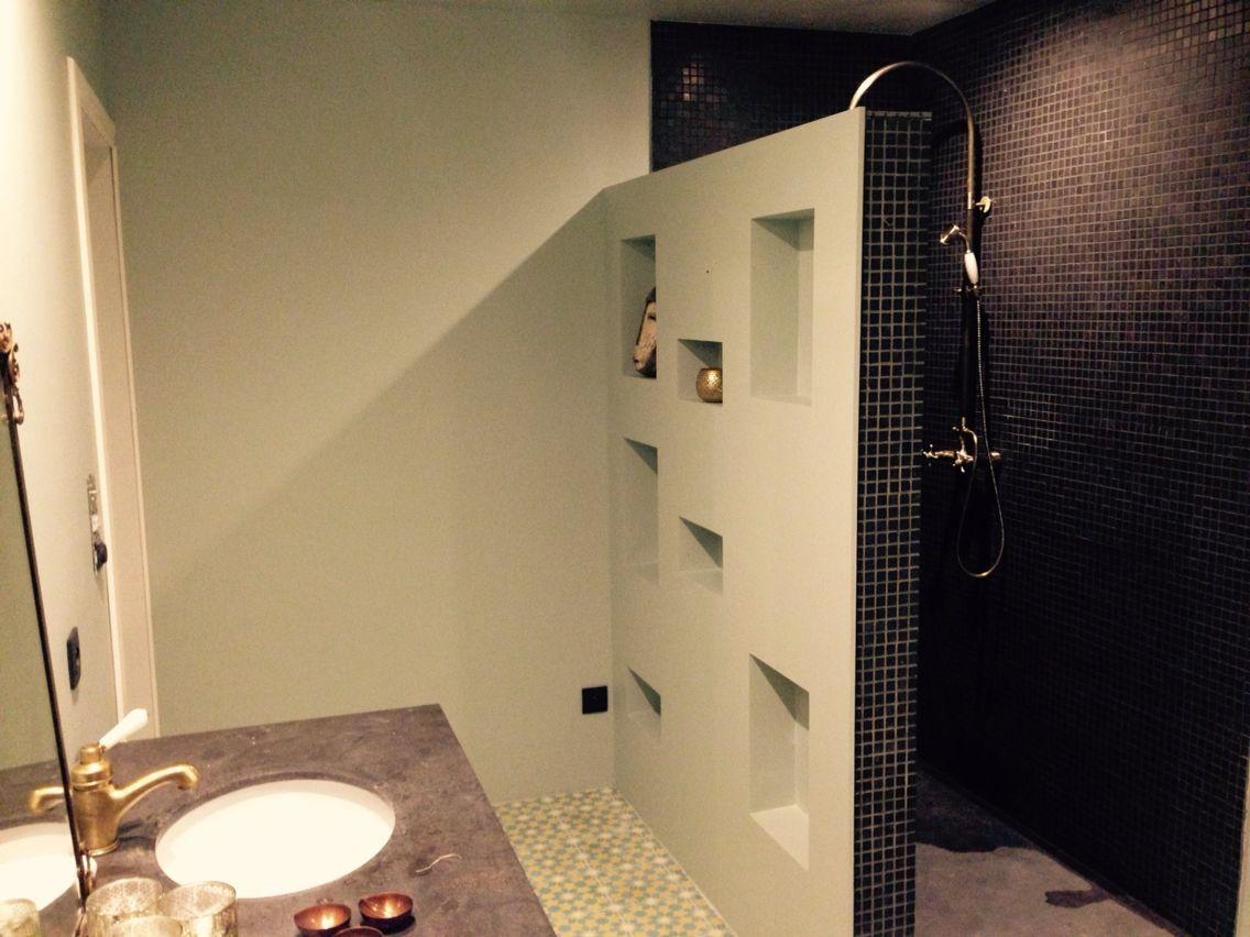 DIY badkamer hammam stijl. Zelliges, natuursteen en koperen kranen ...