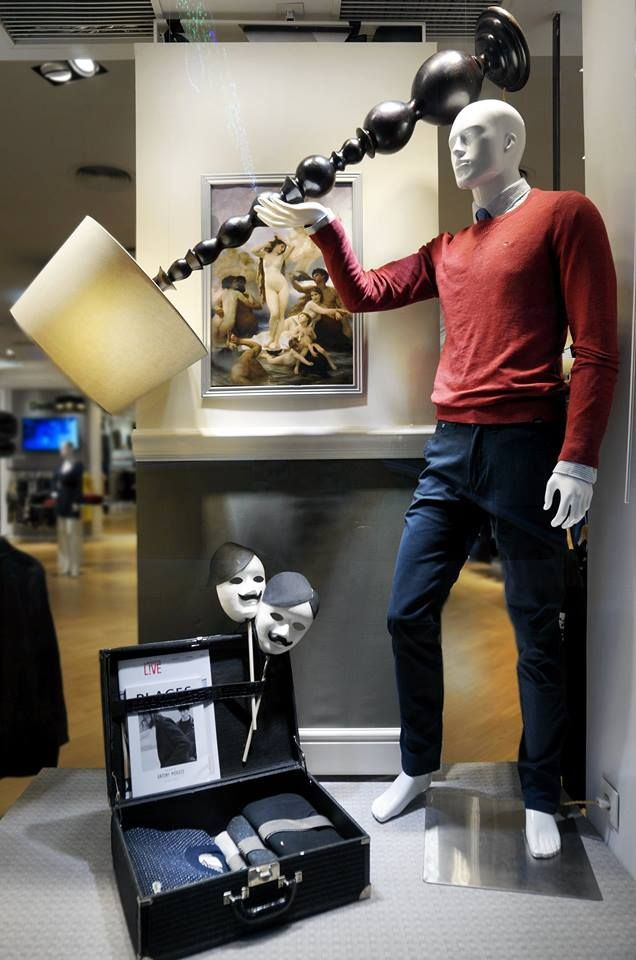 Industrial Product Design, Retail Display Stands |Curved Line Display Visual Merchandising