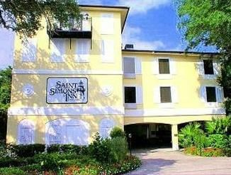Saint Simons Island (GA) St Simons Inn By The Lighthouse United States, North America Set in a prime location of Saint Simons Island (GA), St Simons Inn By The Lighthouse puts everything the city has to offer just outside your doorstep. The hotel has everything you need for a comfortable stay. Service-minded staff will welcome and guide you at the St Simons Inn By The Lighthouse. Each guestroom is elegantly furnished and equipped with handy amenities. The hotel offers various ...