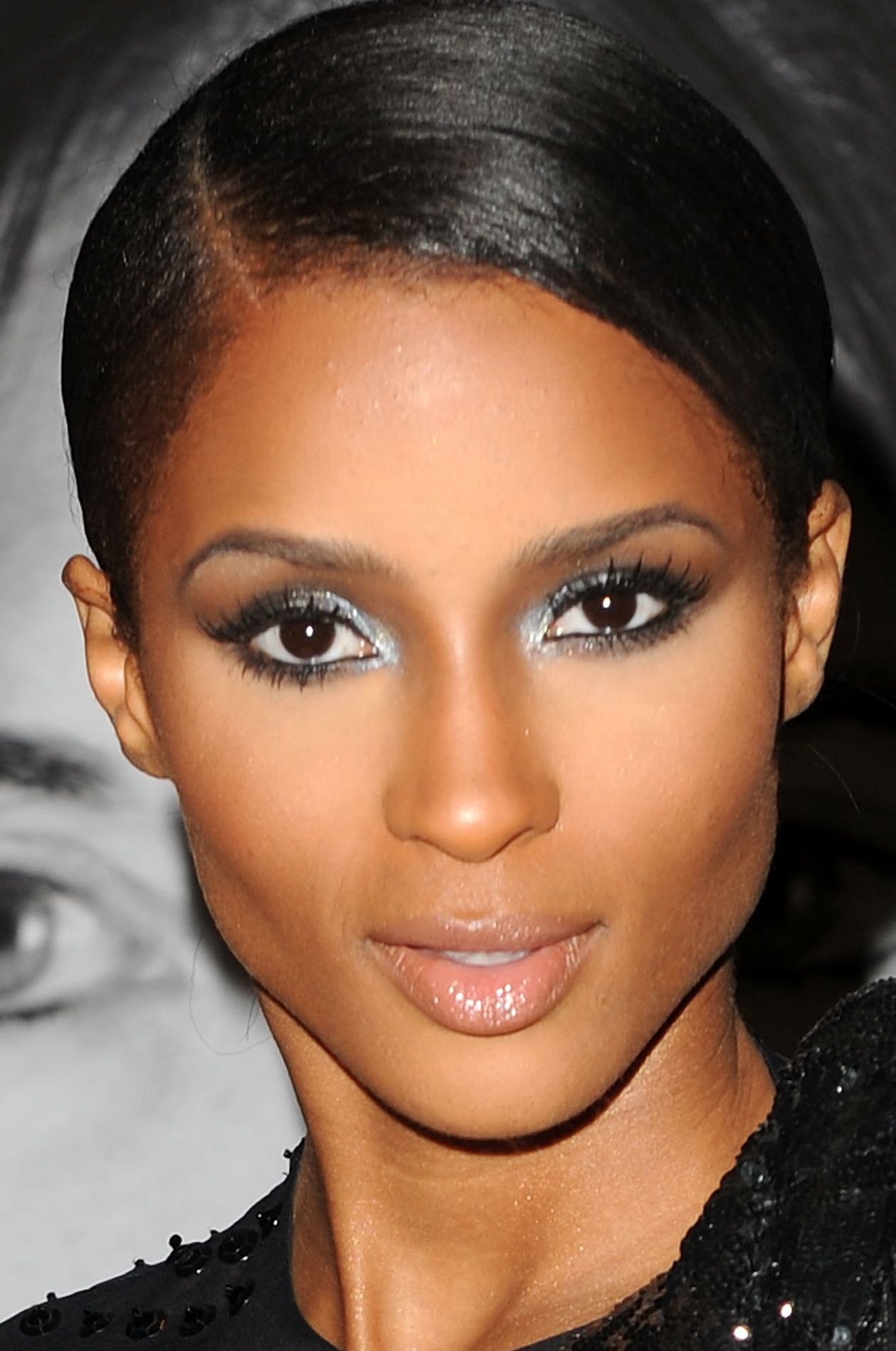 A perfect graduated smoky eye I must try soon! Skin