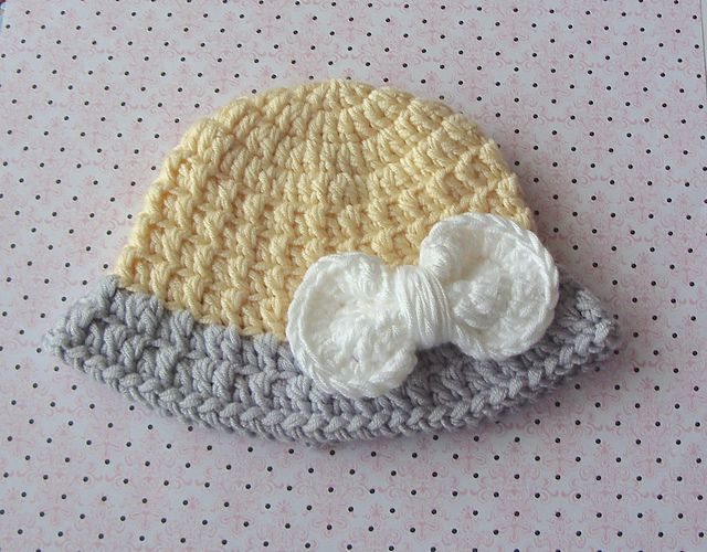 Ravelry Girls Cloche Brim Hat With Bow Pattern By Lisa Corinne