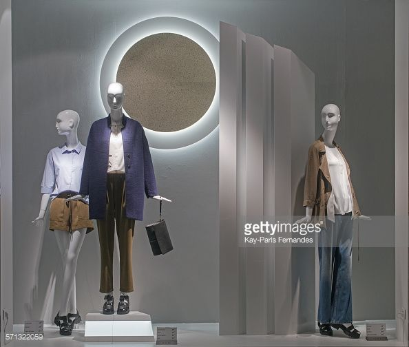 Exhibition Stand For Zara : Zara paris window display as part of the world