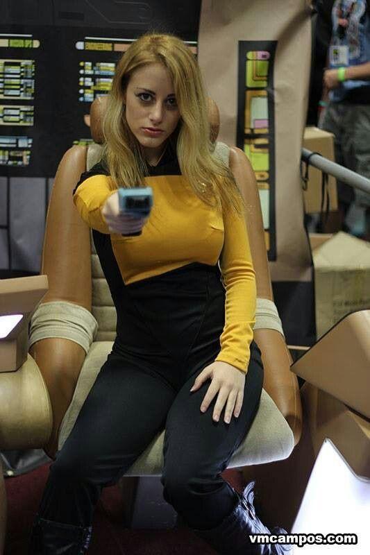 East Bay Comic-Con 2014 | Fujifilm X-E1 Star Trek red