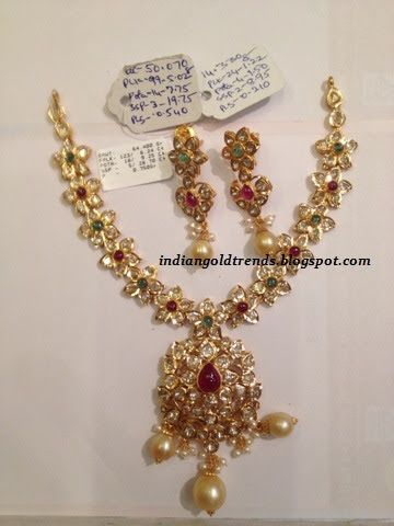 Latest Indian Gold and Diamond Jewellery Designs Floral design