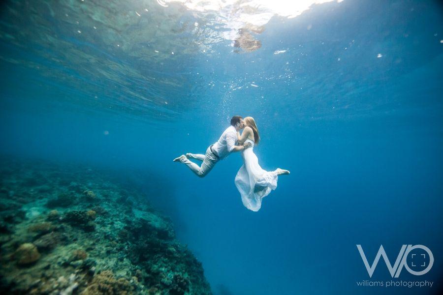 Fiji Underwater Drown the Gown Photos – Tarryn & Ryan | Great Pics ...