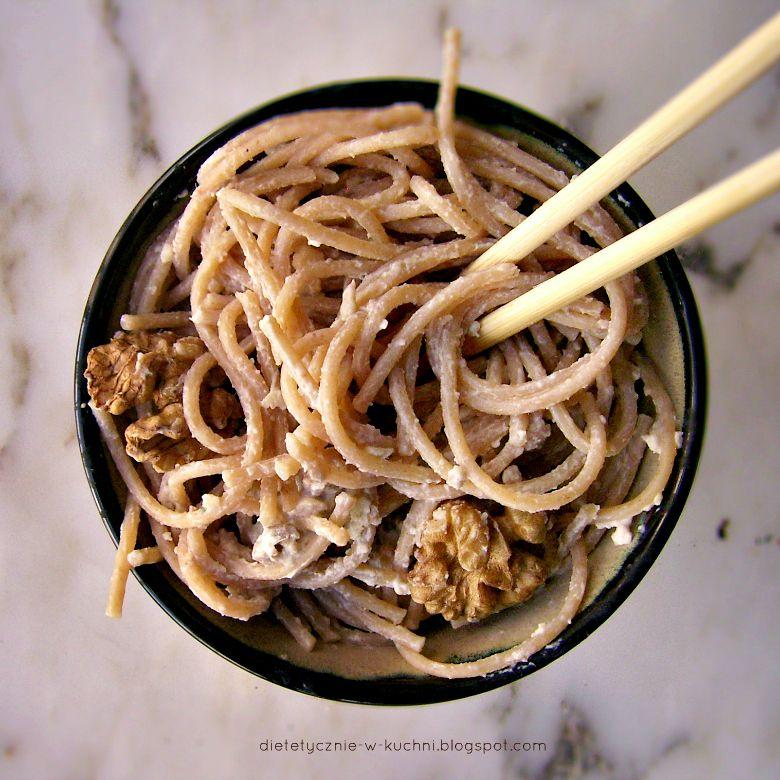 Chopsticks To Nie Moja Mocna Strona Dietetyczne Fanaberie Recipe Avocado Dishes Avocado Pasta Pasta With Walnuts