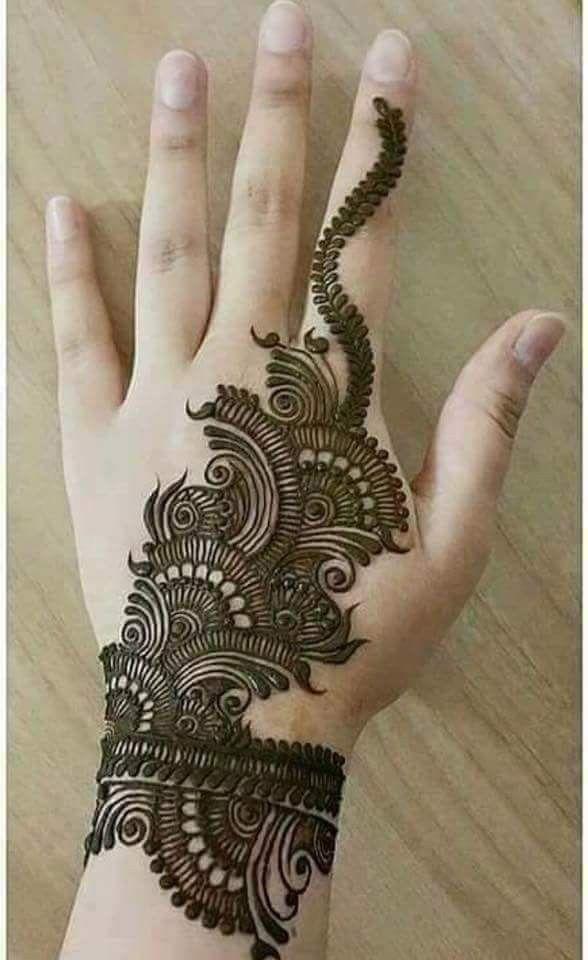 Looks Like A Bracelet Mehendi Mehndi Designs Mehndi Henna Designs