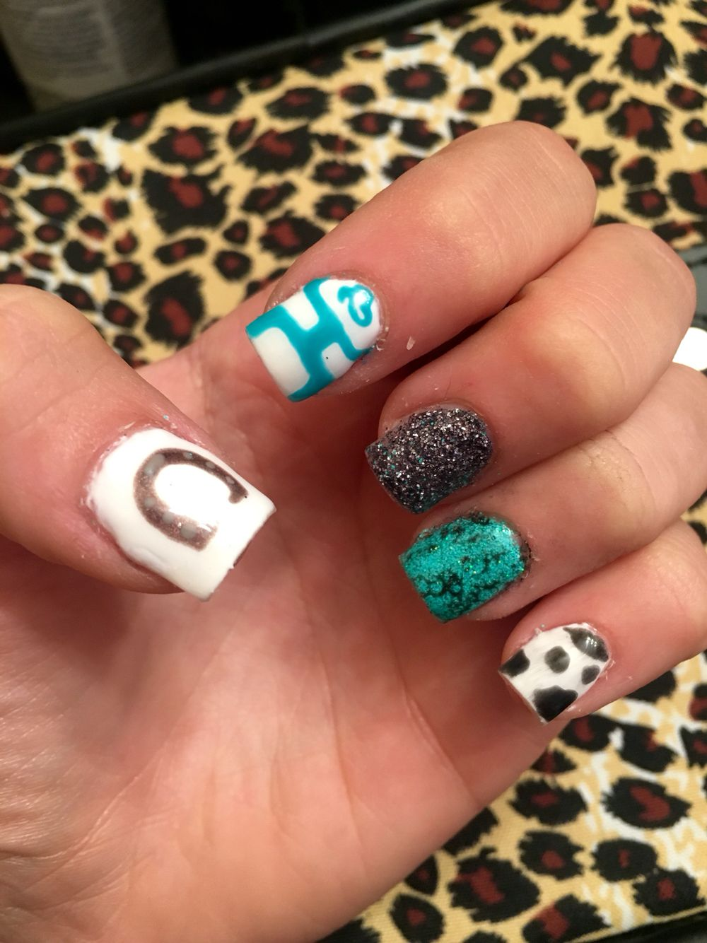 Western country girl nails. Love the turquoise and hooey! Took awhile but  so worth - Western Nail Art Graham Reid