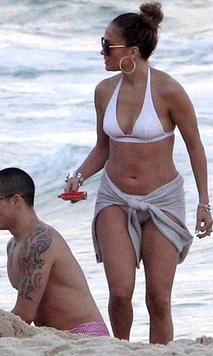 73908c45 Fuente: Pinterest | Pareos de playa: consigue tu look chic este ...