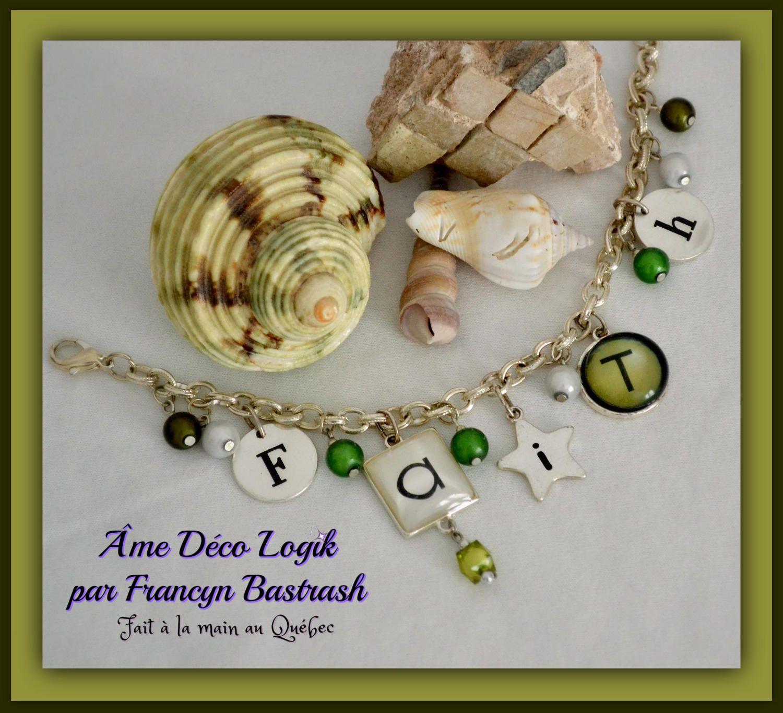 Bracelet ''foi'' perles satinées vertes pelouse et blanches, lettres et métal ton argent vieillit, cadeau fête des mères, noël, anniversaire