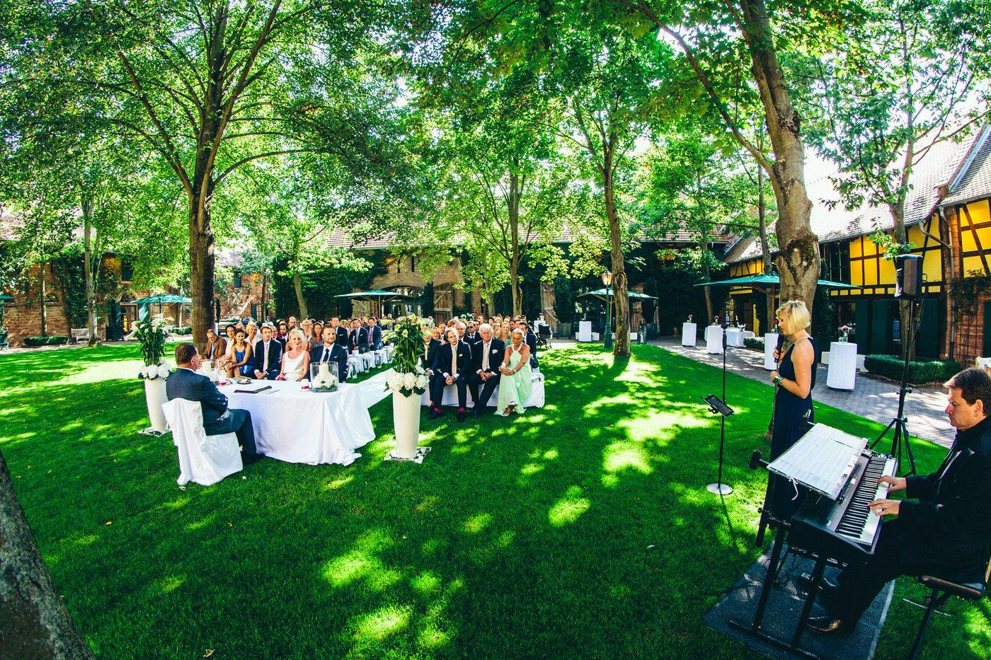 Hochzeit Auf Hofgut Von Hunersdorff In Worth Am Main Bei Aschaffenburg Kosten Hochzeit Hochzeit Hochzeit Location