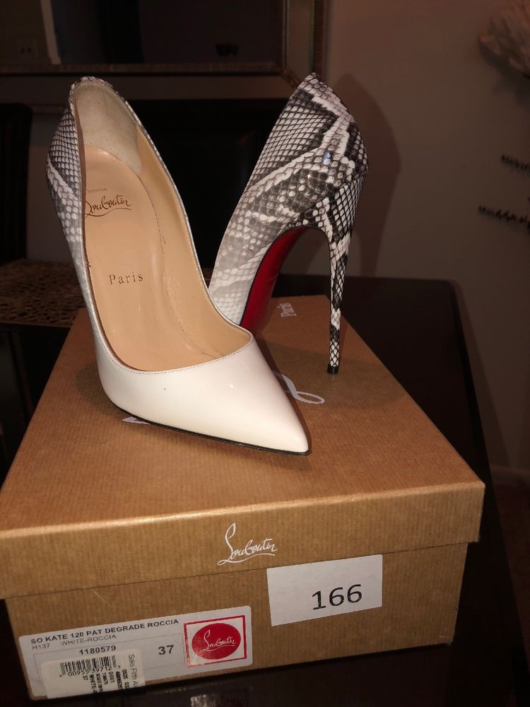 d62c98ddf45 Christian Louboutin So Kate Snakeskin/white Patent Pump Size 37 ...