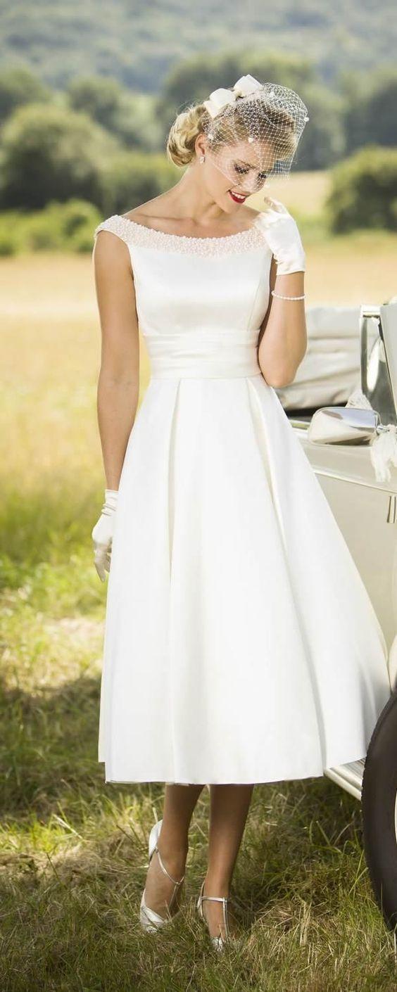 Short Wedding Dress For Renewal Belle Wedding Dresses Simple Wedding Dress Short Wedding Dress Casual Outdoor [ 1410 x 564 Pixel ]