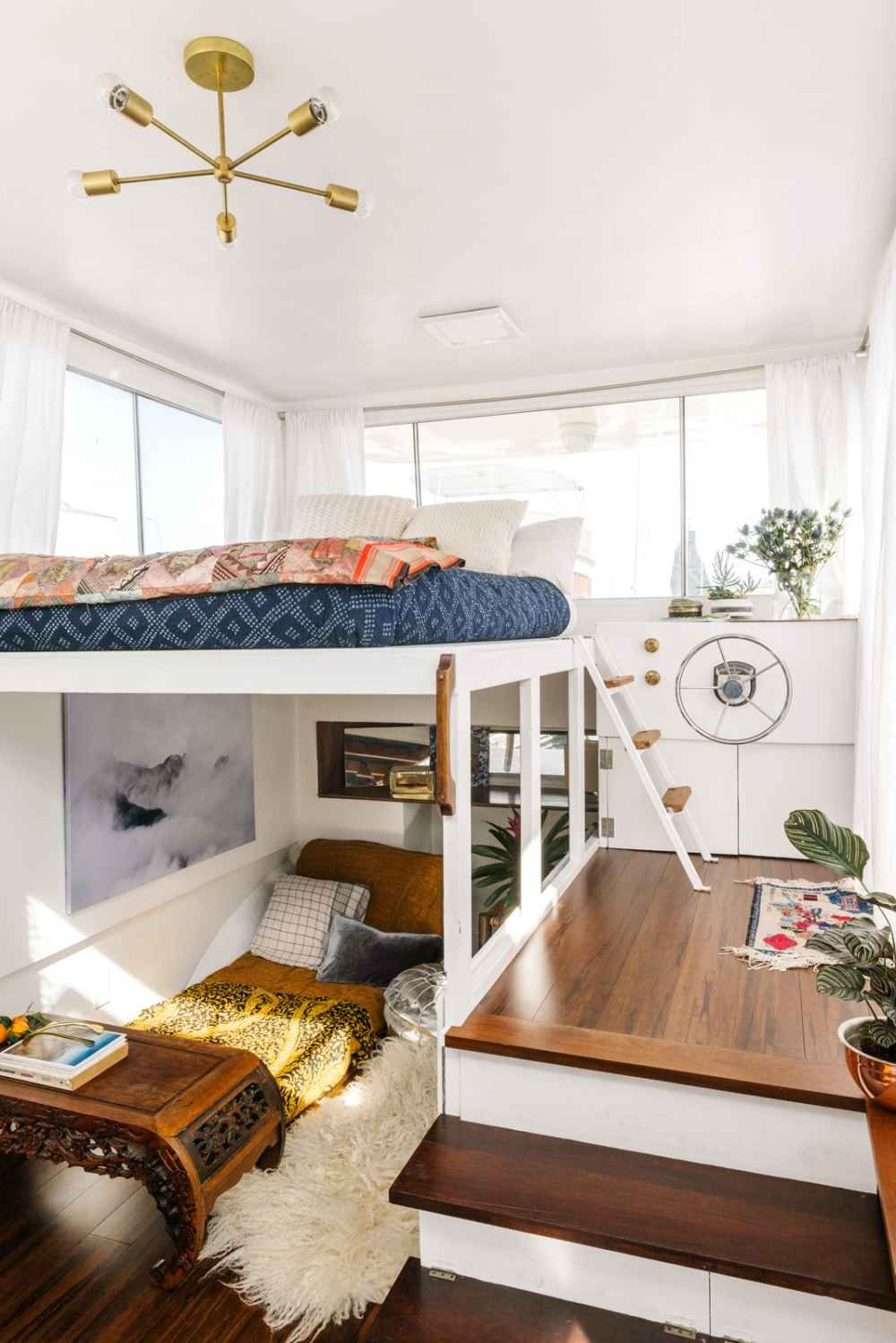 3 bedroom loft  How This Woman Made Her Dream Home On A Boat  Tiny houses House