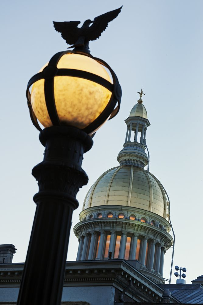 State Capitol Building in Trenton, New Jersey   U.S. State Capitols ...
