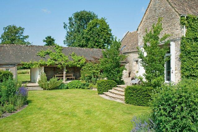 Etonnant Informal Rectory Garden   English Gardens   Design U0026 Landscaping Ideas  (houseandgarden.co.