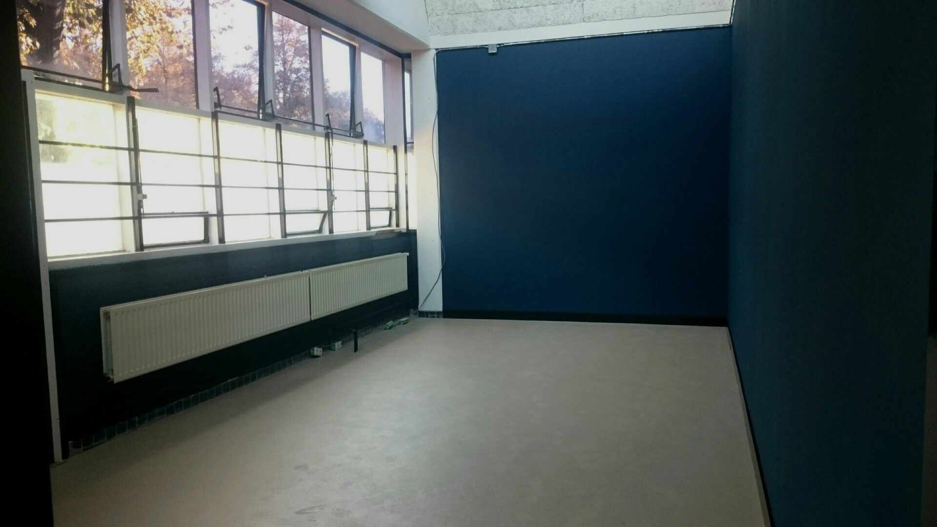 Finally finished all the paint work in our new atelier! Next: furnishing and decorating.   #atelier #espenaer #artisanal #woodworking #ambachtslab