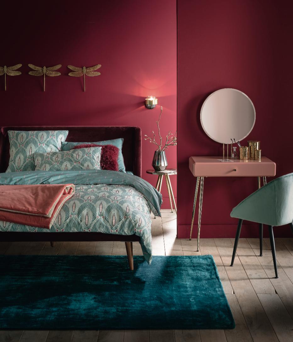 Tapis bleu canard chambre rouge  Déco chambre rouge, Rouge chambre