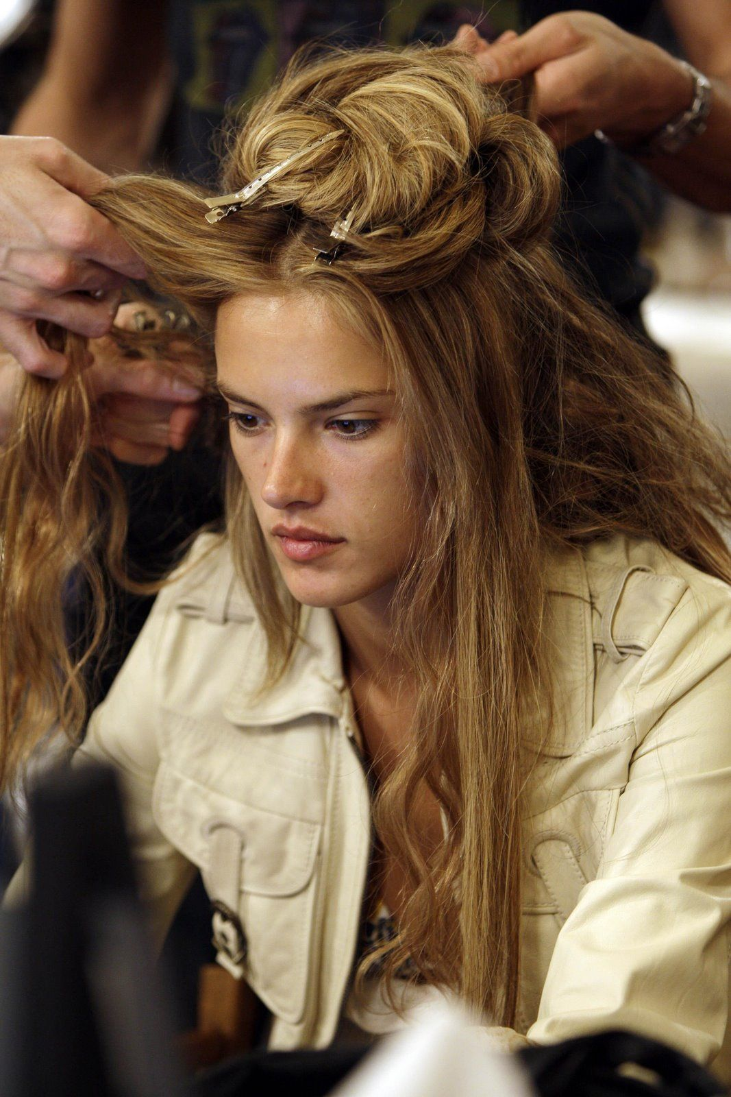Alessandra Ambrosio without make up, still beautiful.
