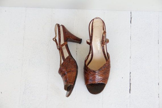 Hey, I found this really awesome Etsy listing at https://www.etsy.com/listing/199542494/1940s-peeptoe-slingback-alligator-heels