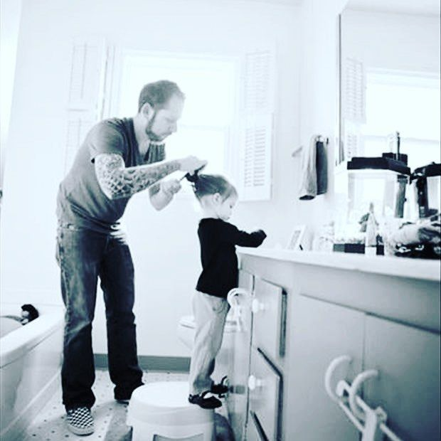 Daddy duties - doing his best with her hair 💜💜💜 happy Father's Day 💜💜💜 Bonsai Dads💜💜💜 #bonsaikidshaircare #love  #Haircuts #tv #kidsstyle #smile #follow #cute #bonsaikidshaircare #followme #Hair #salon #beautiful #happy #kidshop #kids_of_our_world #actor #swag #amazing #hairstylist #fashion #beabonsaikid #fun #summer #kidshop #bestoftheday #smile #kidstyles #friends #kidshairsalon