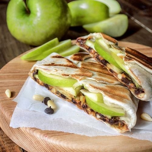 Peanut butter & apple sandwich #recipe #healthy #sandwich