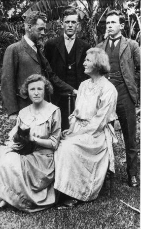"""The Byles family. Marie's parents Cyril and Ida Byles were vegetarians, Fabian socialists and Unitarians and Ida Byles was teetotal and a suffragette. She encouraged her daughter to pursue an independent life. """"When you grow up you must not copy me. You must earn your own living."""""""