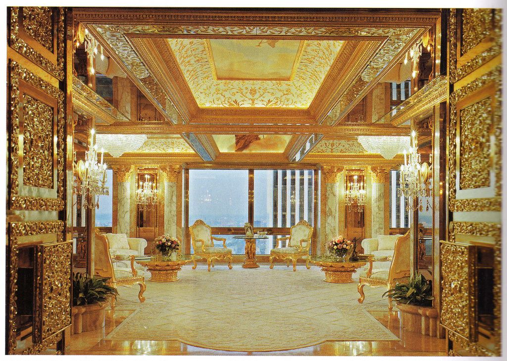 It Isn T A Piece Of Gold Jewellery But Might As Well Be This Room Looks Like Grand Painting From The Renaissance