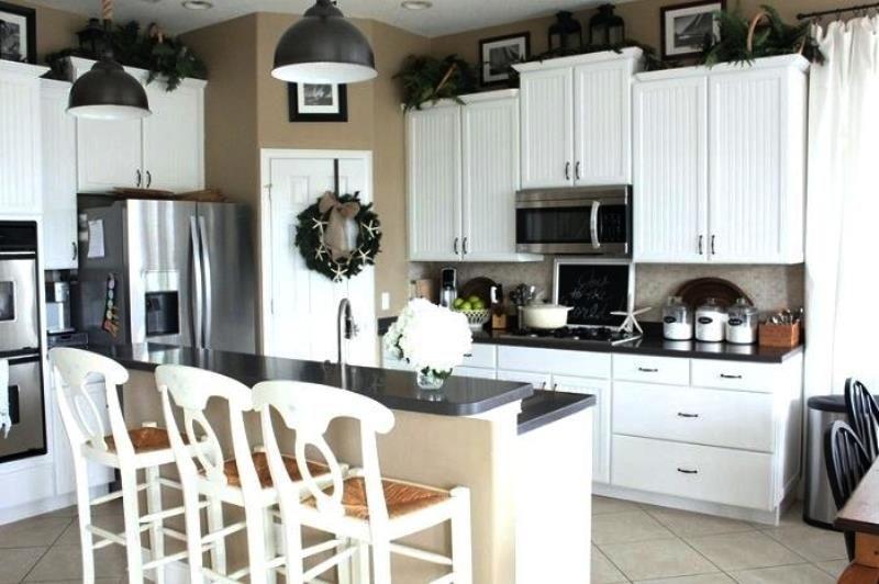 Ideas para decorar encima de los gabinetes de la cocina for Decoracion de gabinetes de cocina