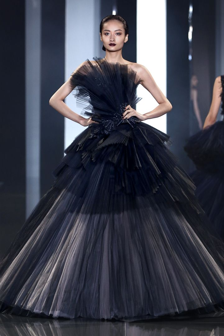2d74be485e Ralph & Russo - Haute Couture Collection AW 14/15 - AW14/15 Look 35 ...