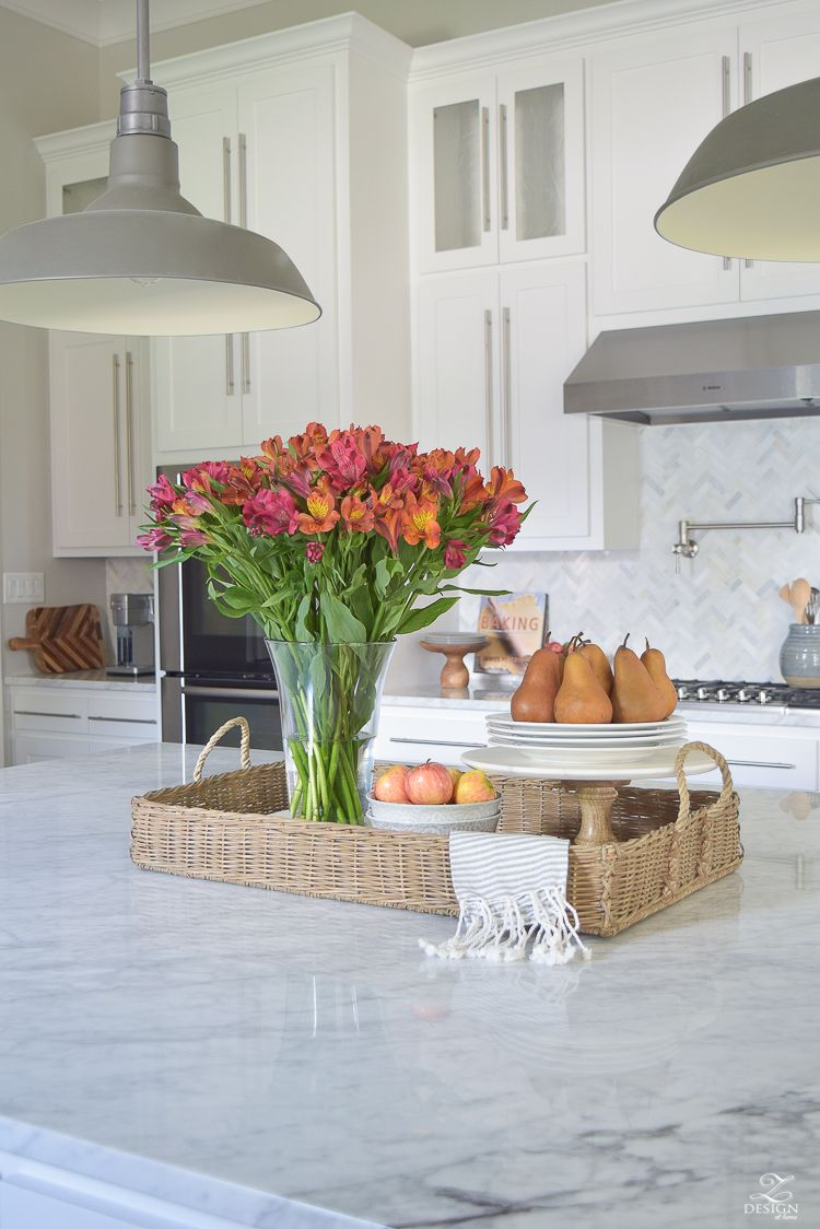 But since this task can be somewhat overwhelming to some ive decided to share just 3 simple tips on styling the kitchen island today to make life easier