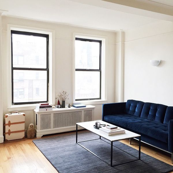 20 BIG Decor Ideas For 2015  #refinery29  http://www.refinery29.com/unique-small-space-decorating-ideas#slide-11  Square & Sparse  Photographer Alice Gao's living room may seem spare, but its repeated square and rectangle shapes give it an air of minimalist cool.