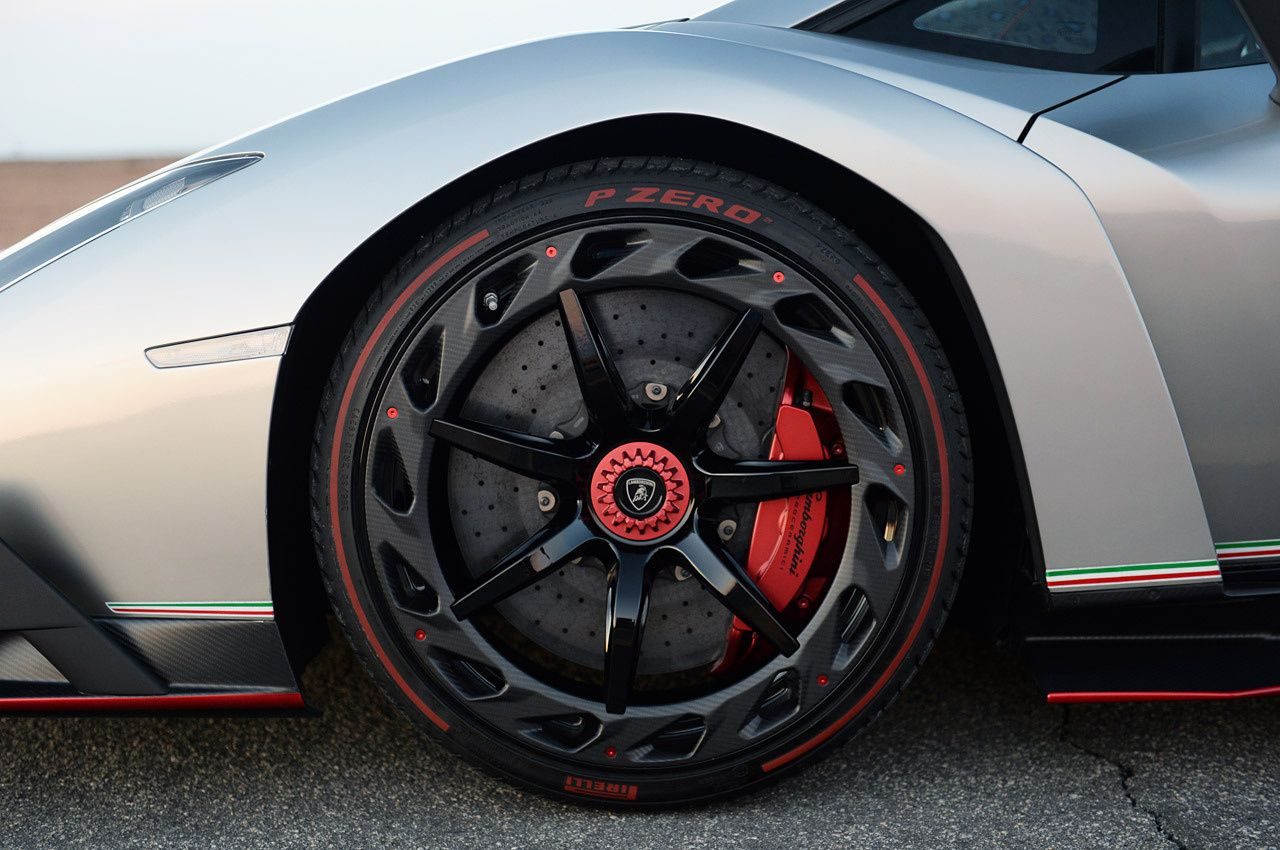 Lamborghini Veneno Front Wheel Detail In Carbon Fiber And Red Finish Red Brake Calipers On